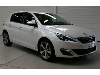 <strong>PEUGEOT 308</strong><br/>1.6 BlueHDi 120ch Féline S&S 5p
