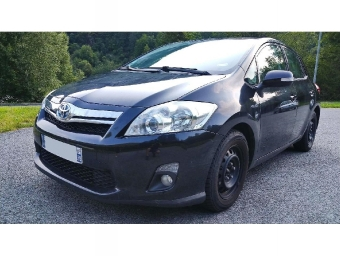 <strong>TOYOTA AURIS</strong><br/>Hybride 136h Dynamic 15